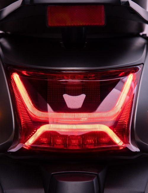 scooter electrique S6 phare arrière